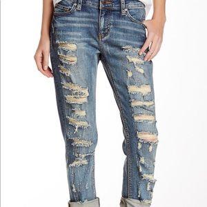 Eunina Ripped Boyfriend Jeans